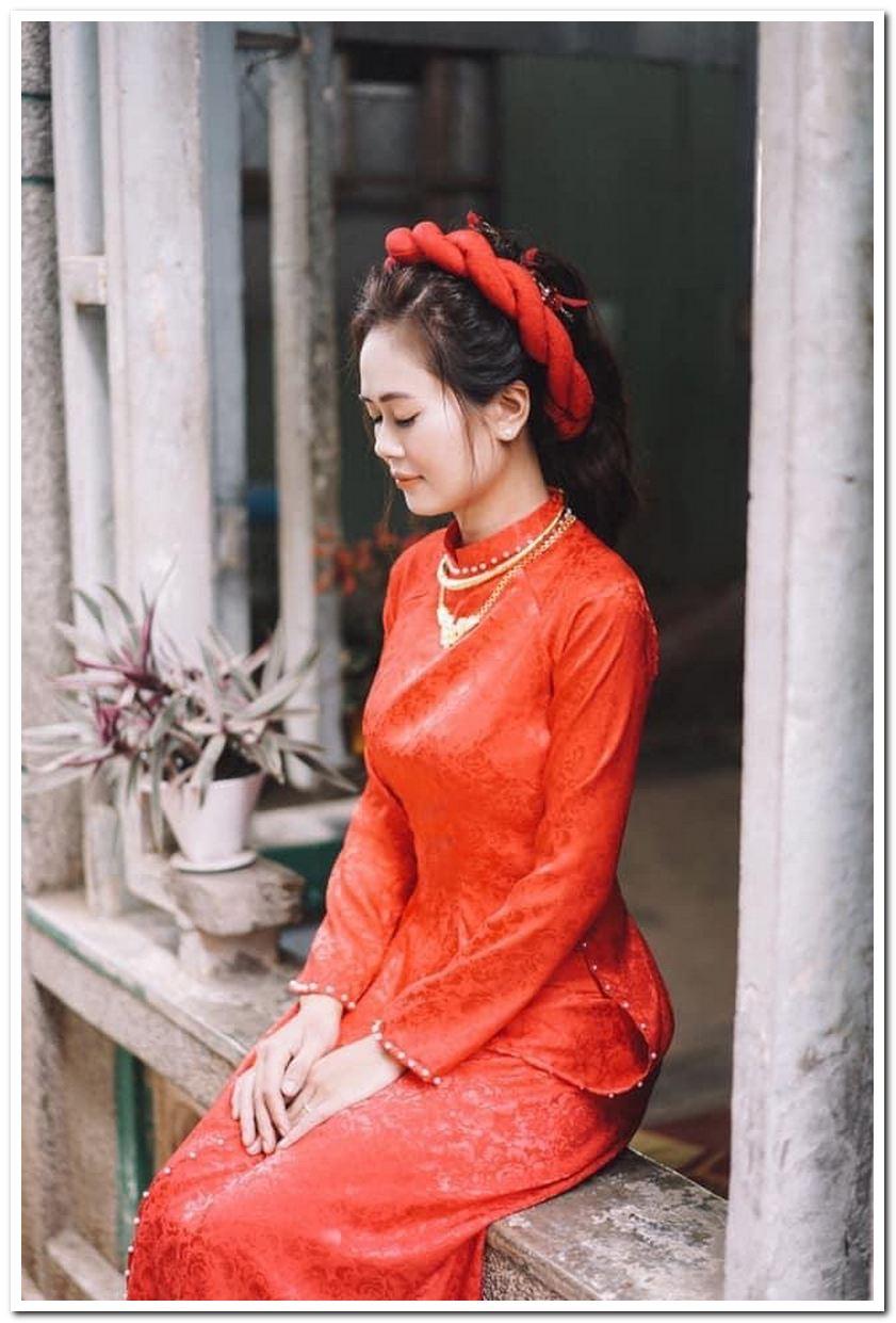 Có nhiều cách kết hợp áo dài với các loại quần màu khác nhau