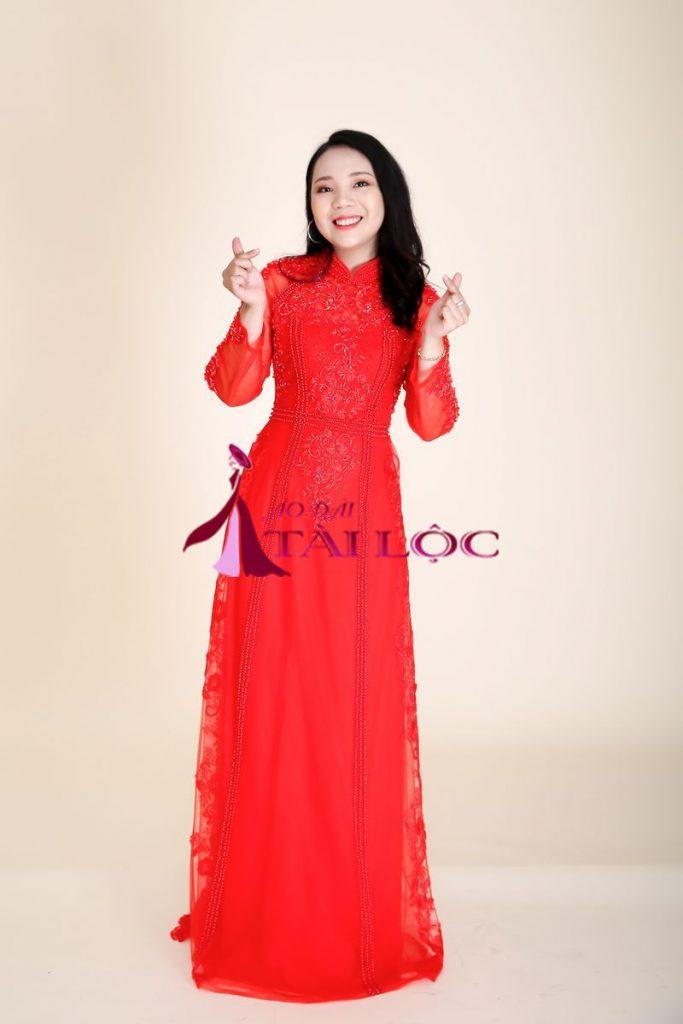 Áo Dài Cưới Vải Ren Màu Đỏ Kết Cườm Vàng