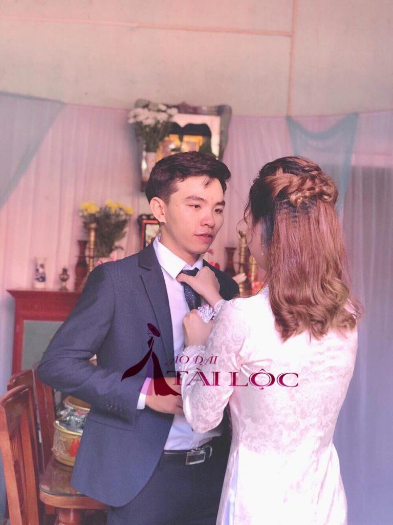 Áo dài cưới hồng trơn