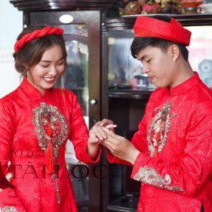 Áo dài cưới đỏ gấm