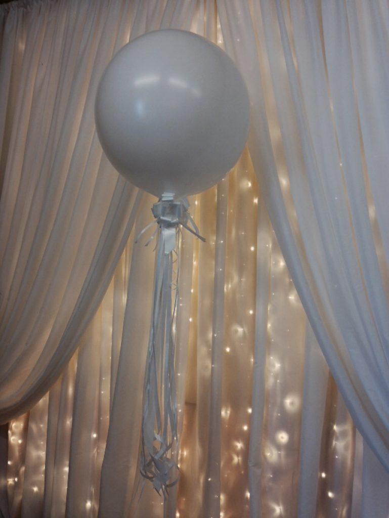 Trang trí màn cưới