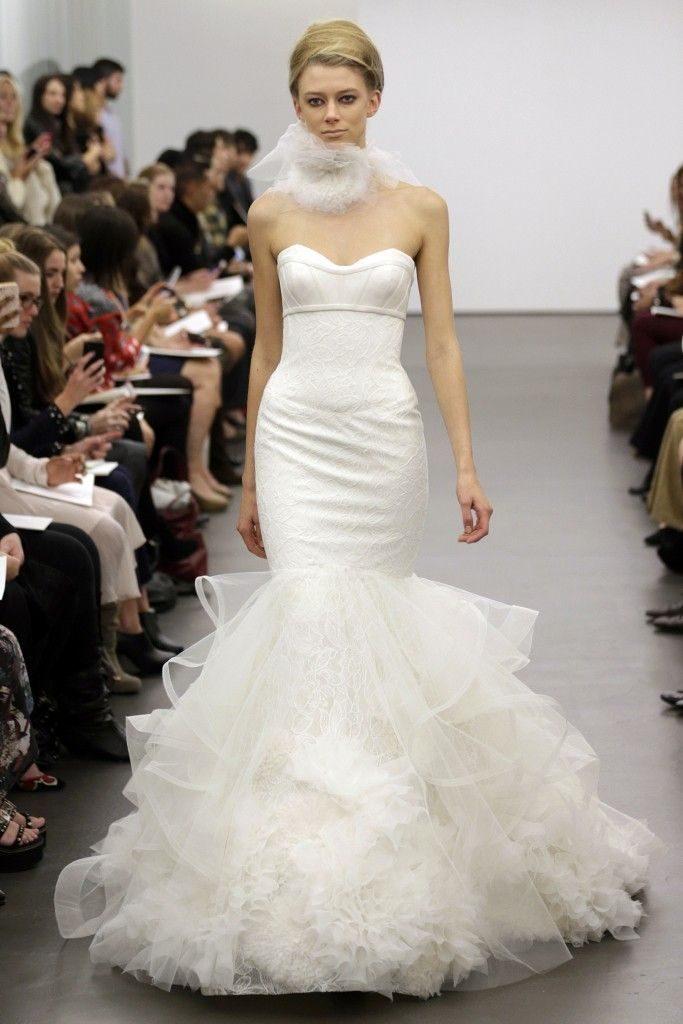 Váy cưới đuôi cá trơn