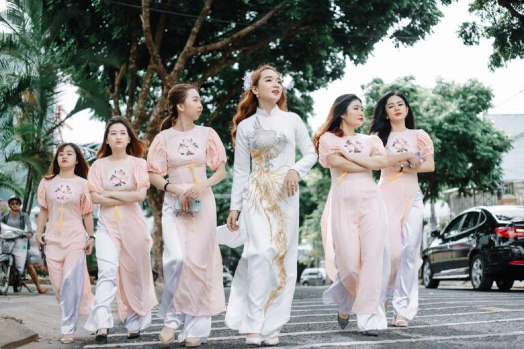 Thuê áo dài cưới đẹp ở TPHCM