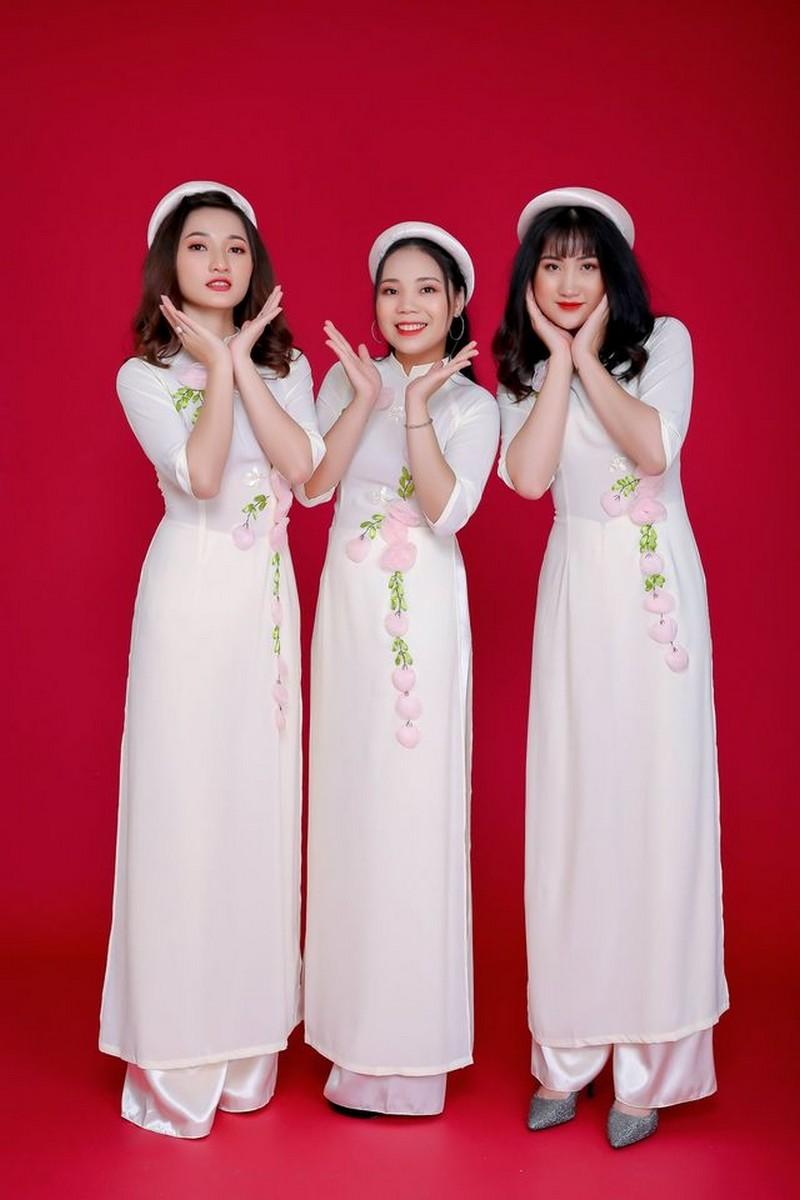 Áo dài bưng quả màu trắng đẹp giá rẻ