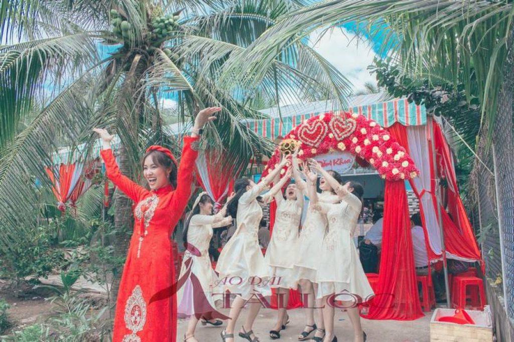 Áo Dài Cưới Màu Đỏ Gấm CD-G1