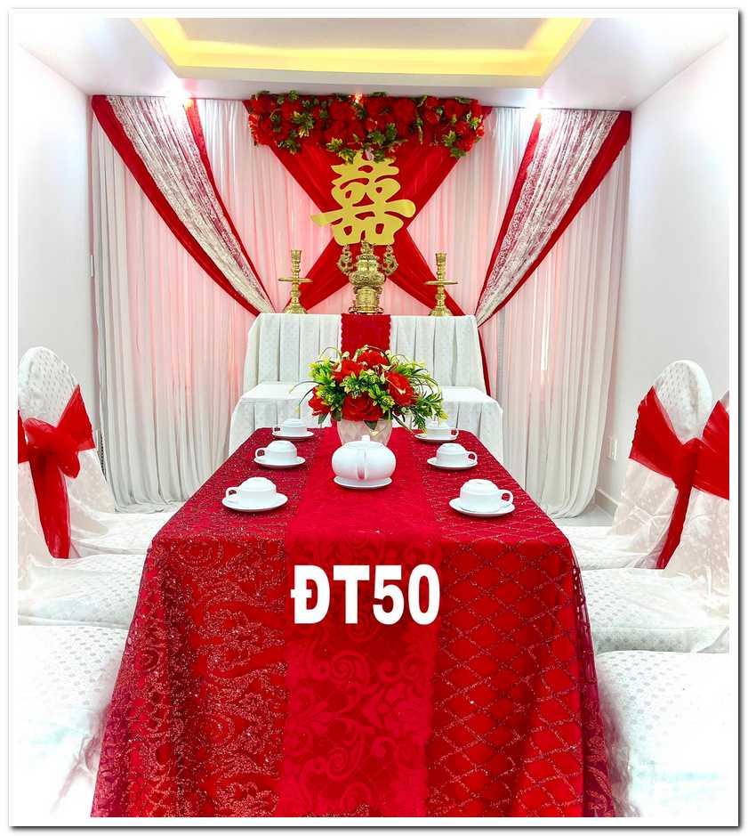 trang trí bàn gia tiên màu đỏ được nhiều khách hàng chọn lựa