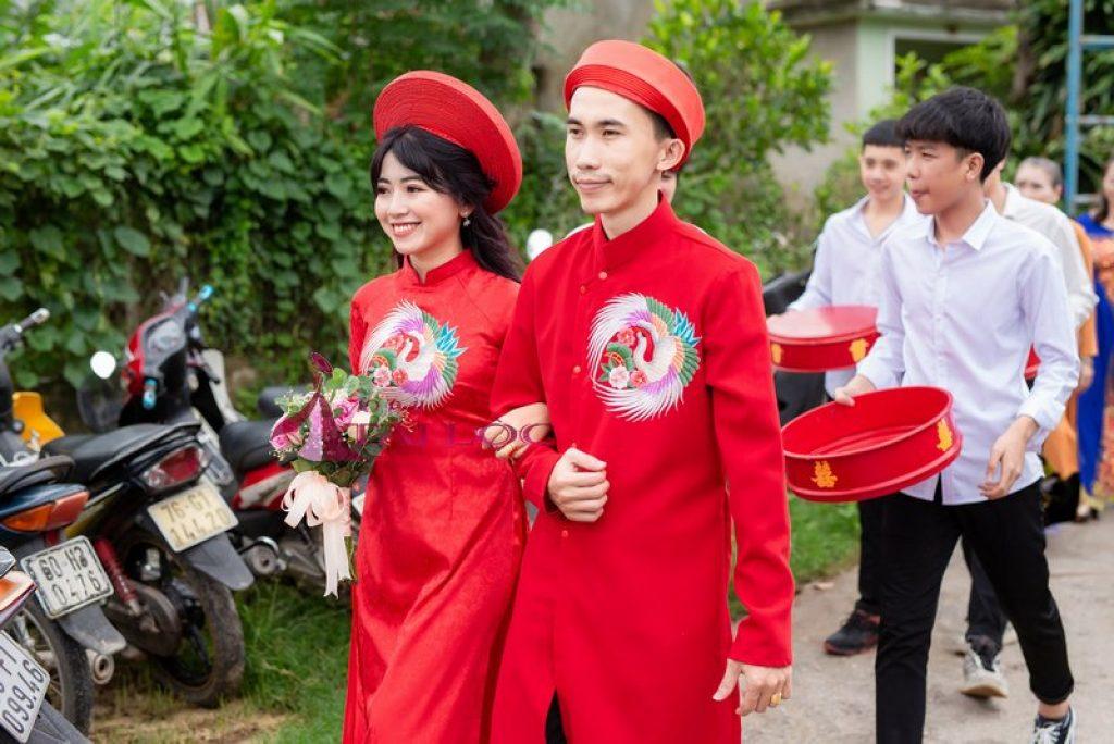 Áo Dài Cưới Màu Đỏ Thêu Thiên Nga