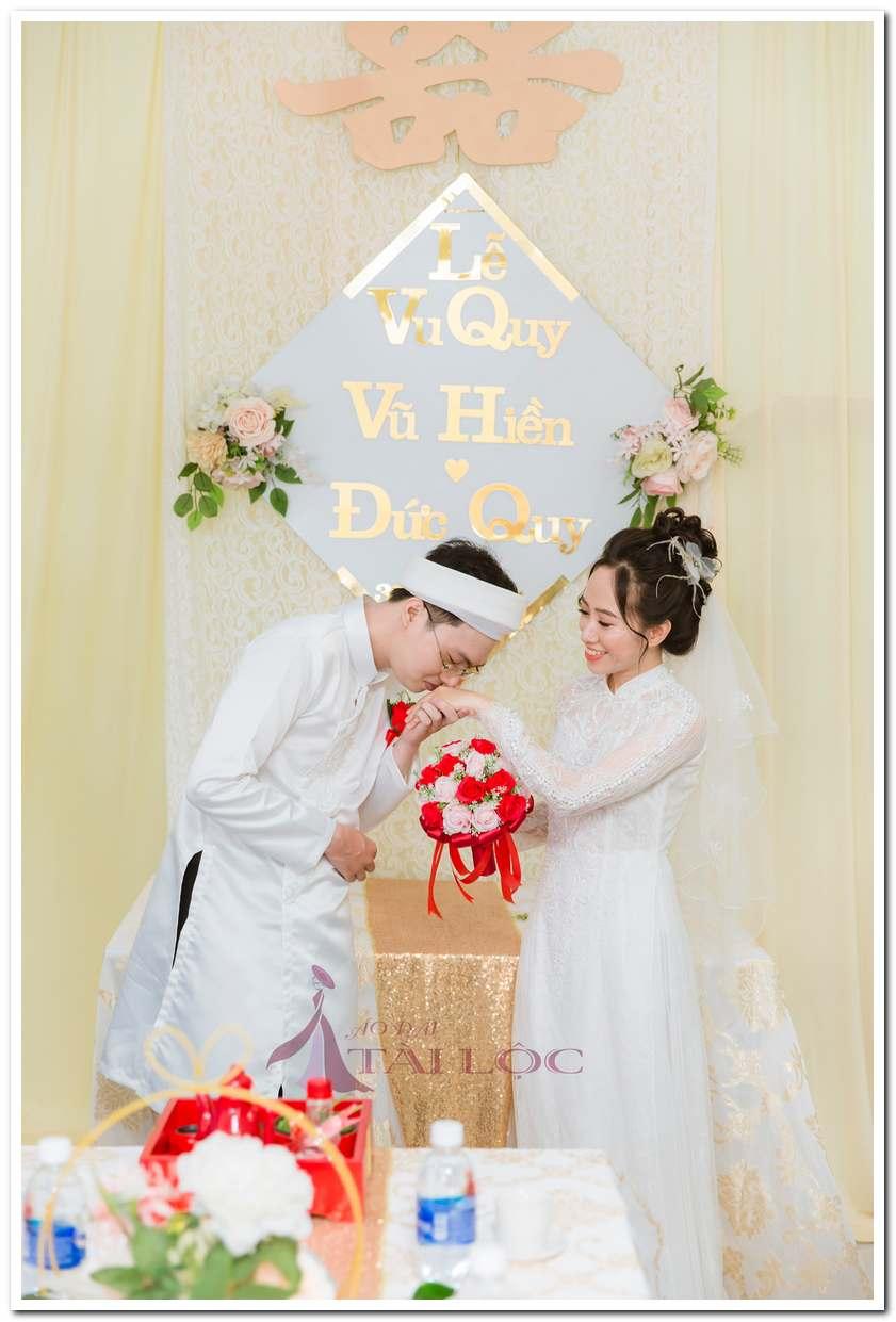 Áo dài cưới chú rể trắng kết cườm