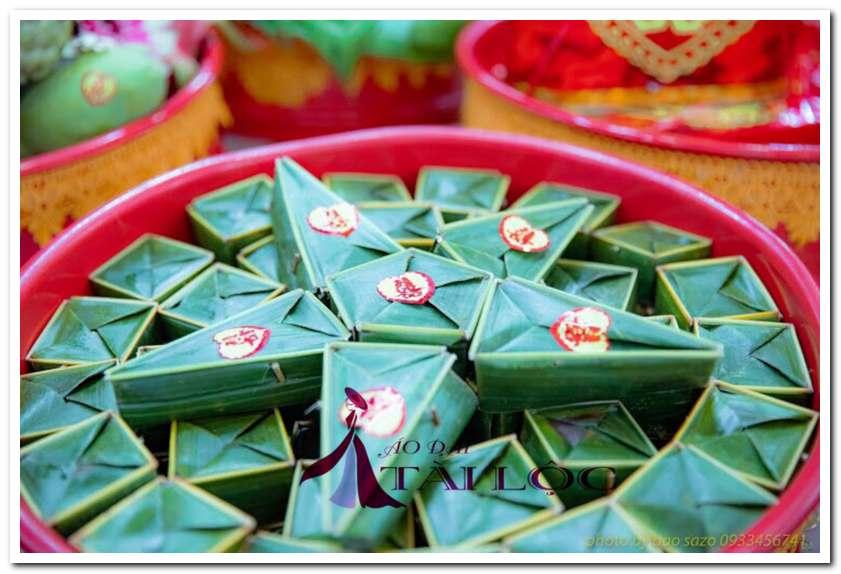 Bánh phu thê thường được thấy trong ngày cưới