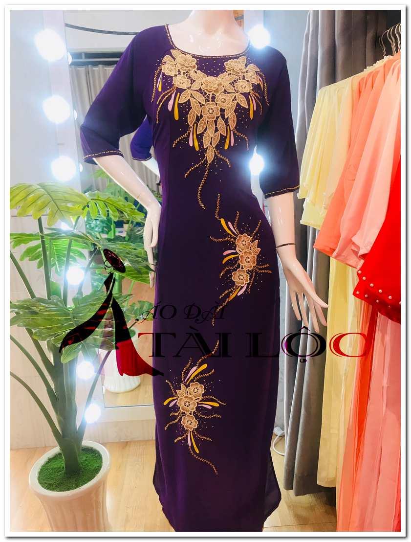 Áo dài tím hoa cà