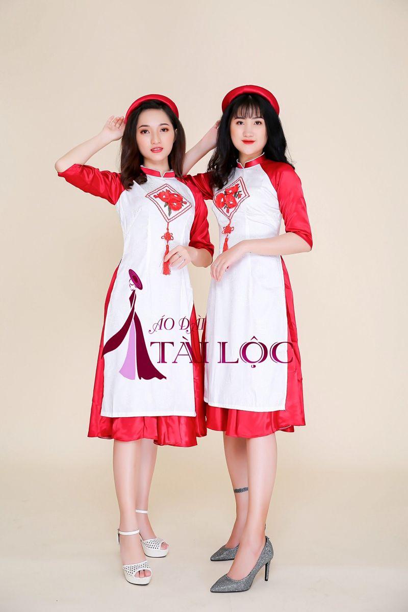 Áo dài phụ dâu cách tân tay đỏ