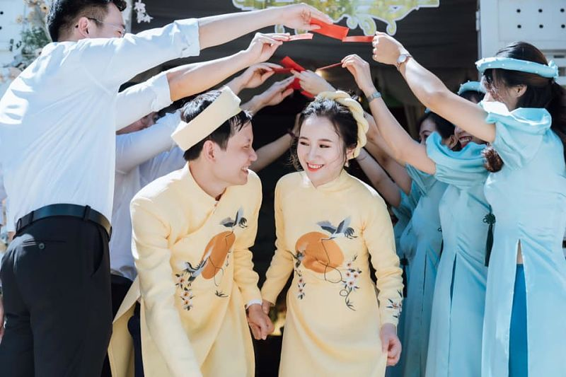 Dịch vụ thuê áo dài cách tân nam nữ giá rẻ tại áo dài Tài Lộc