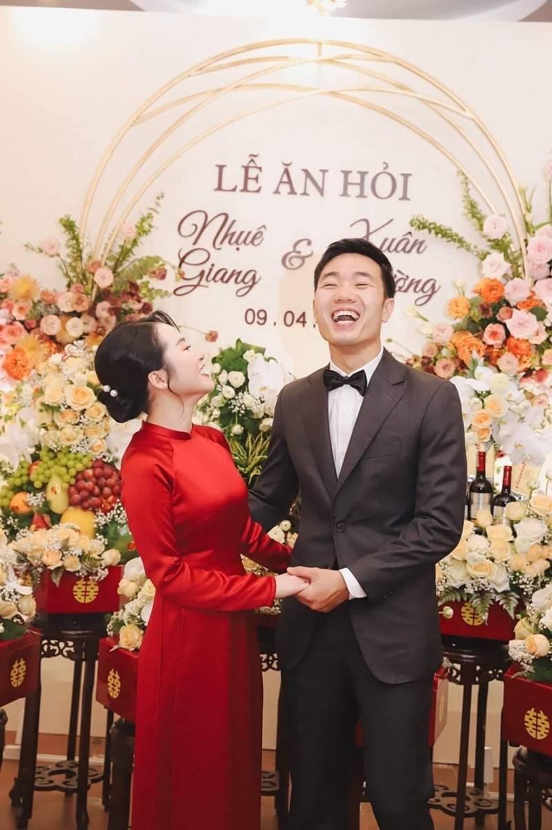 Dịch vụ thuê vest cưới hiện nay rất phổ biến trên thị trường