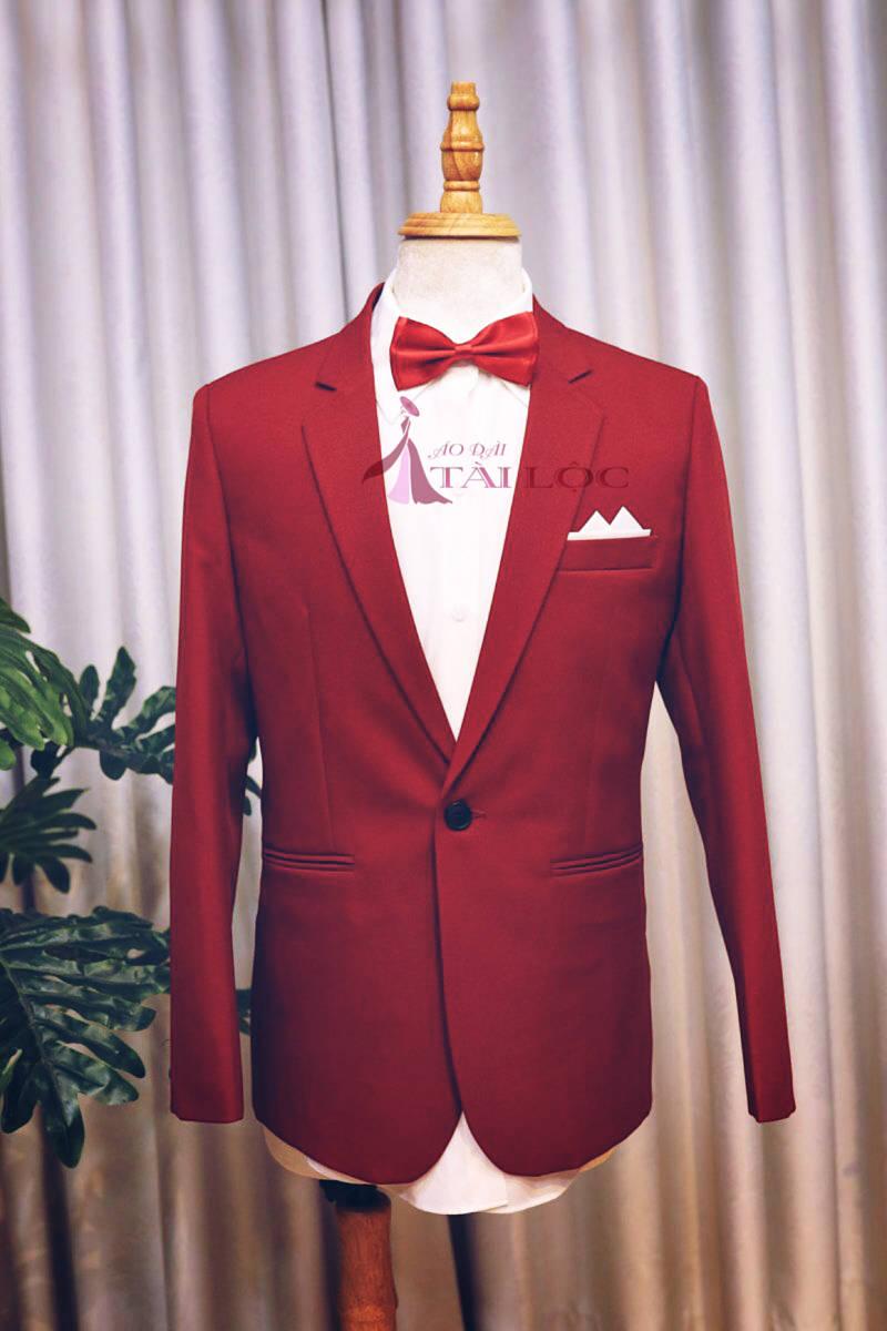 Giá cho thuê vest cưới ở mỗi cửa hàng khác nhau
