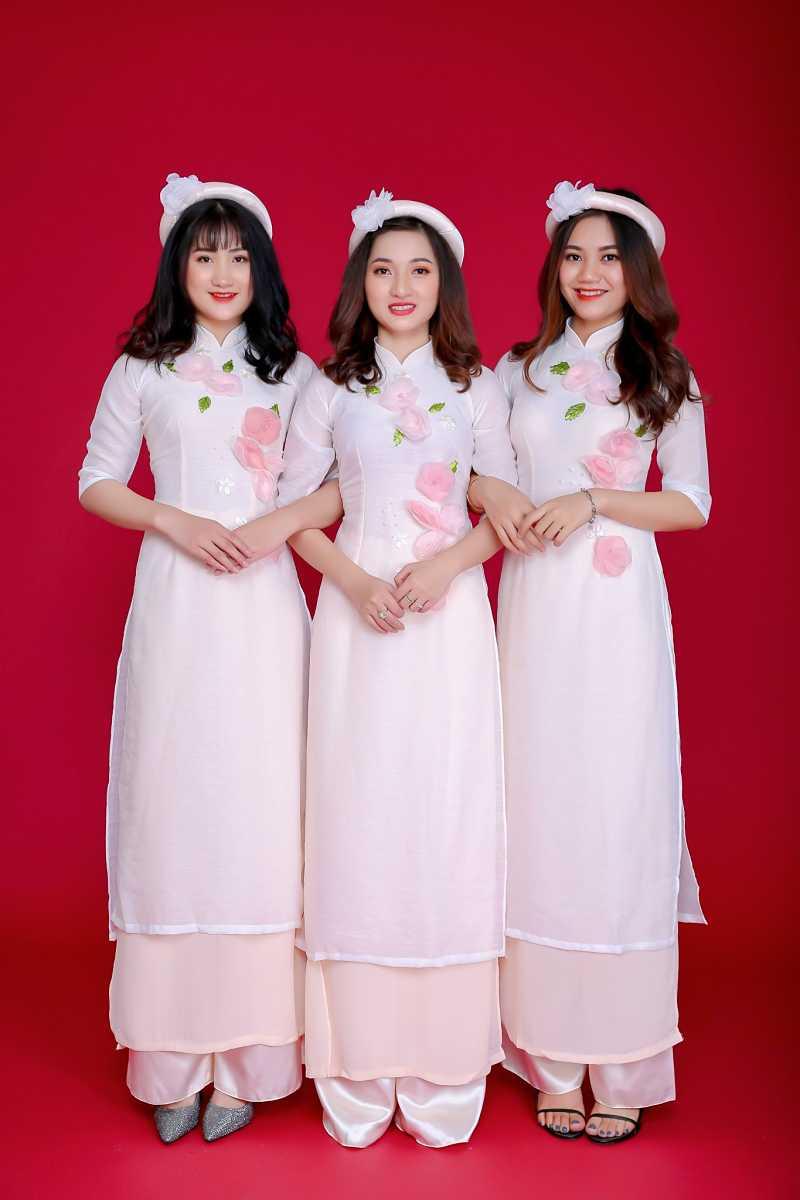 Thuê áo dài phụ dâu cách tân đẹp
