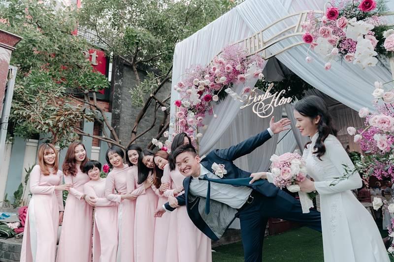 Thuê vest cưới tại Áo Dài Tài Lộc